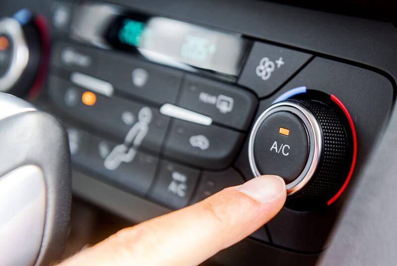 climatizzatore auto non raffredda