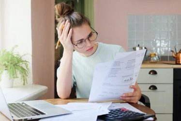 i debiti dei genitori ricadono sui figli